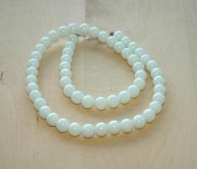 Elegant White Beads versatile necklace